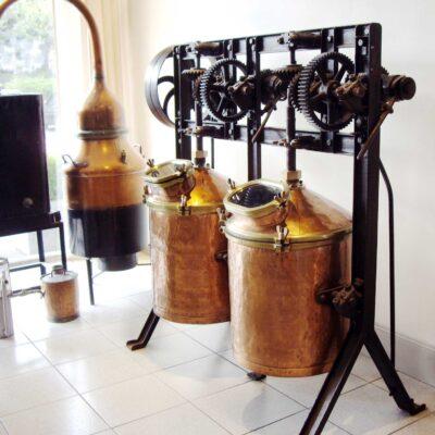 Zirbelkieferöl Herstellung von ZirbenÖl
